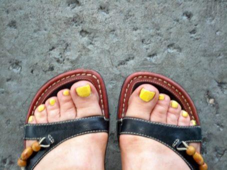 wide feet sandals 2